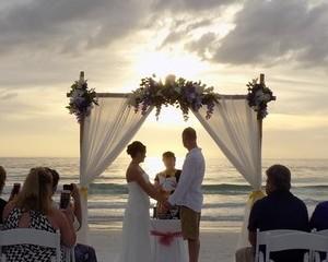 Siesta key Beach Wedding Package - Island Getaway Arch Image