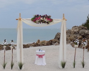 Siesta Beach Wedding Package: The Sunset Hideaway by SarasotaWeddingIdeas.com Image