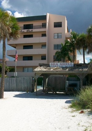 Sea Shell Condo & Tiki Hut on Crescent Beach in Sarasota Fl