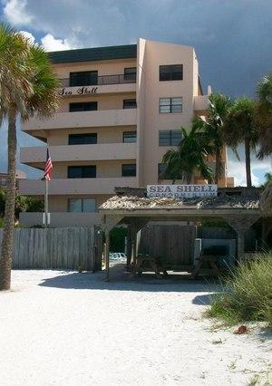 Sea Shell Condo & Tiki Hut on Crescent Beach in Sarasota Fl