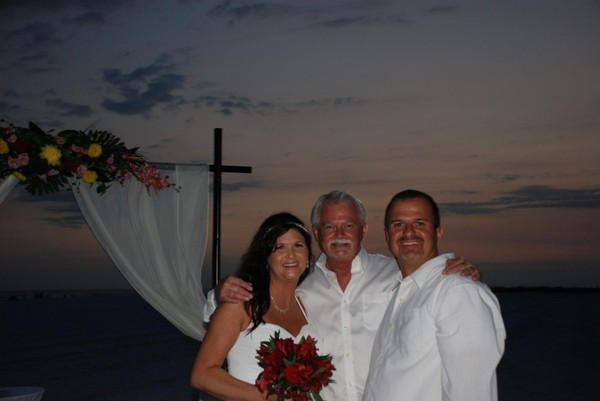 Siesta key Beach Wedding Officiant (Garry - Center)