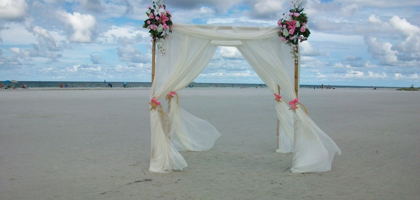 Affordable Beach Weddings: Pretty in Pink Package