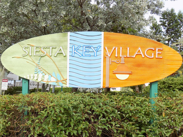 Arrival in Siesta Key Village, Sarasota Florida