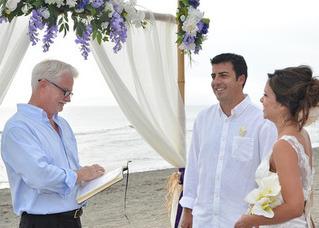 Siesta-key-Wedding-Officiant-Minister-Garry-Image 1