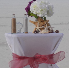 Beautiful Table & Flower Option for Beach Weddings Image 2