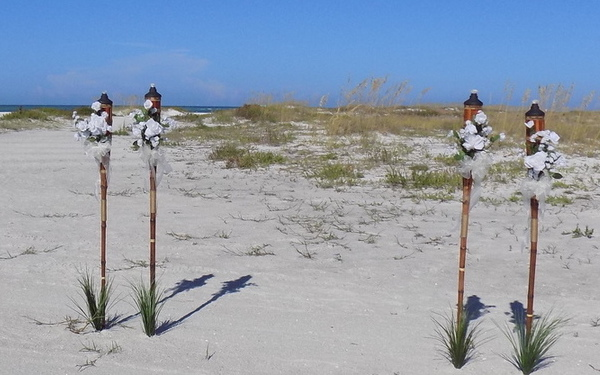 tiki-beach-wedding-decorations-in-white-by-sarasotaweddingideas-com