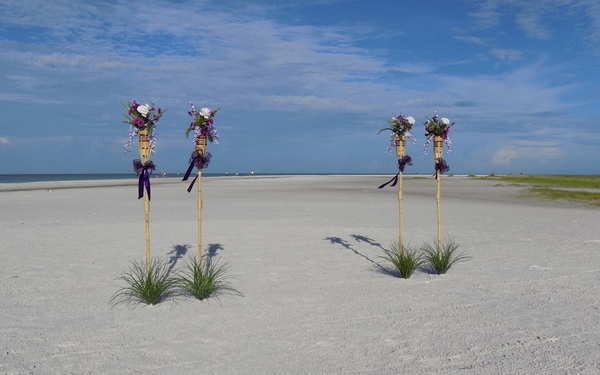 Tiki Beach Wedding Package for All Suncoast Florida Beaches